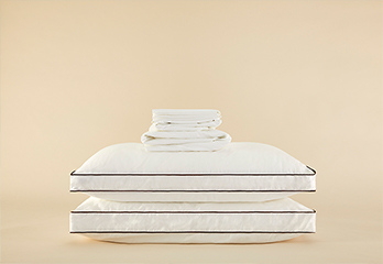 Sateen Sheet Set & Latex Pillow